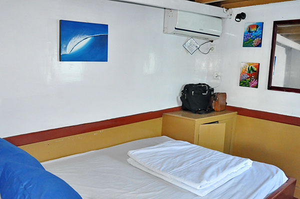 MV Komodo Trails Cabin
