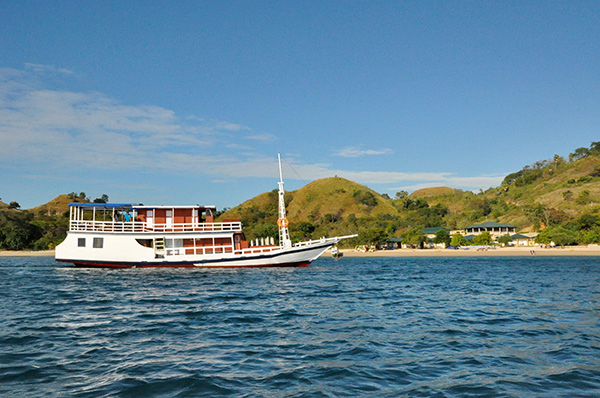 MV Komodo Trails Liveaboard